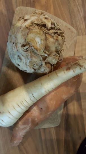 Sellerie, Süßkartoffel, Pastinake - Nach der ganzen frischen Luft gibt es Gemüsesuppe!