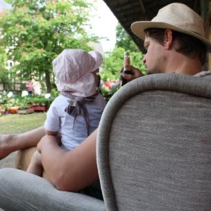 Das Landkind und der Herr Papa müssen sich erstmal entspannen..