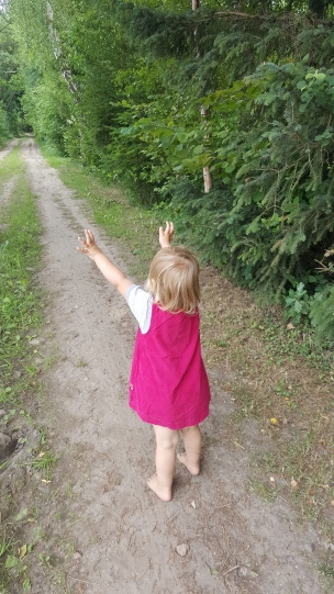 Überall gibt es etwas zu entdecken - und meist ist das Landkind viel besser darin als wir es sind..